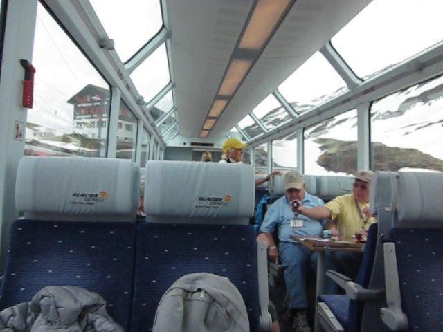 Glacier_Express_carriage.jpg