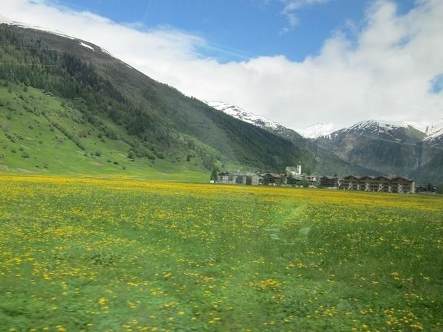 Glacier_Express_view.JPG
